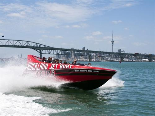 Jet Boating in New Zealand | Where to go Jet Boating - Rivers, Sea