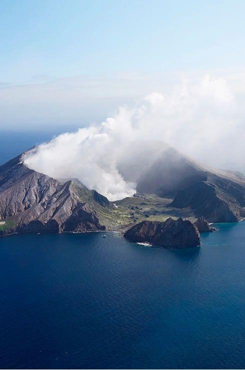 White Island (Image Credit: Chris Sisarich)